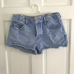Pac Sun mid rise jean shorts size 26